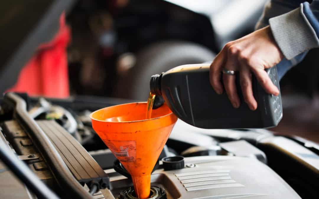 Jak wybrać olej silnikowy